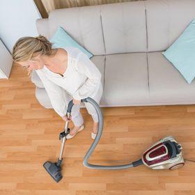 guide d entretien conserver la beaut d un plancher de bois franc verni. Black Bedroom Furniture Sets. Home Design Ideas